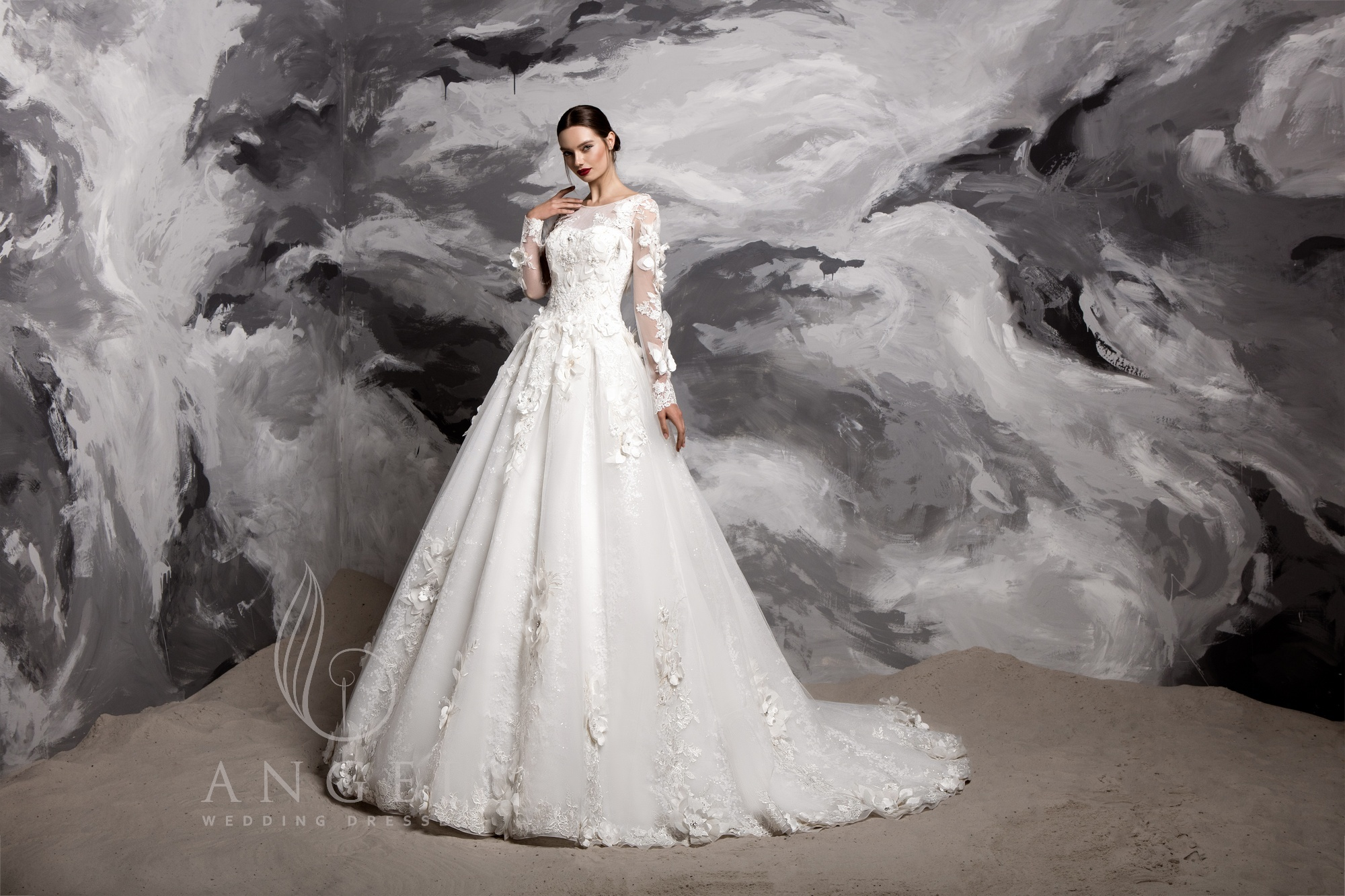 https://angel-novias.com/images/stories/virtuemart/product/Ariena.jpg