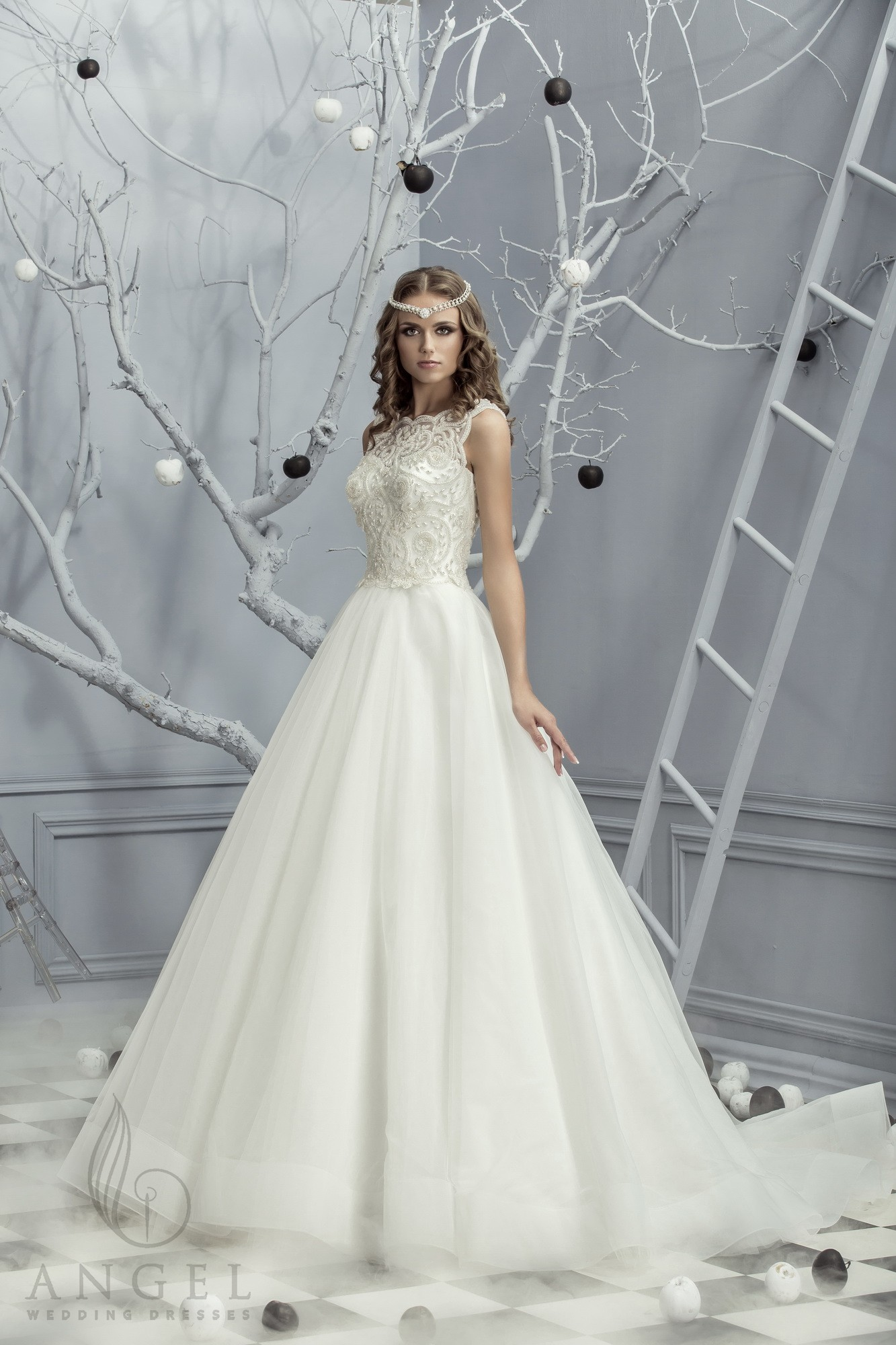 https://angel-novias.com/images/stories/virtuemart/product/Cassandra.jpg