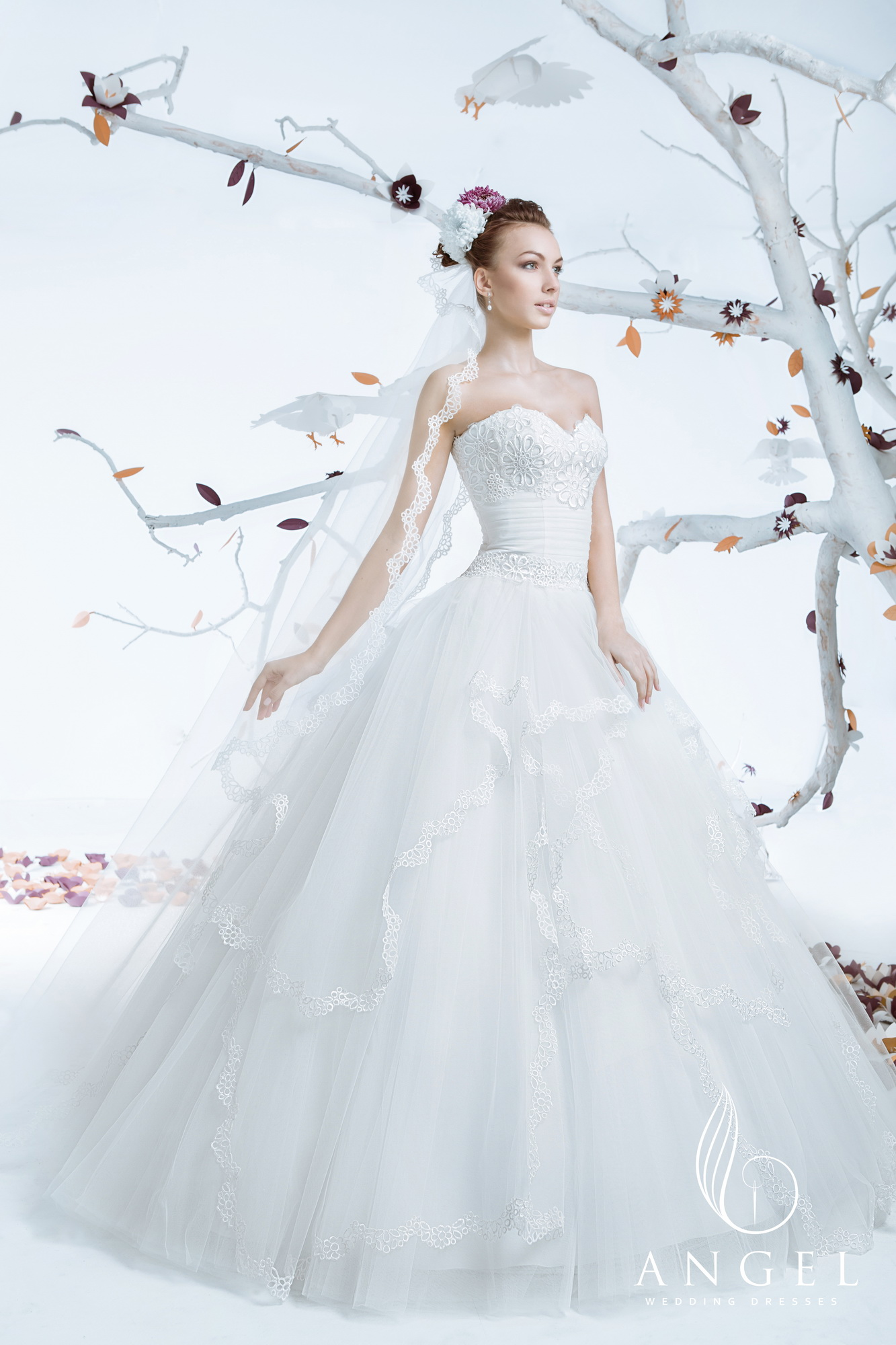 https://angel-novias.com/images/stories/virtuemart/product/Favor 200$.jpg