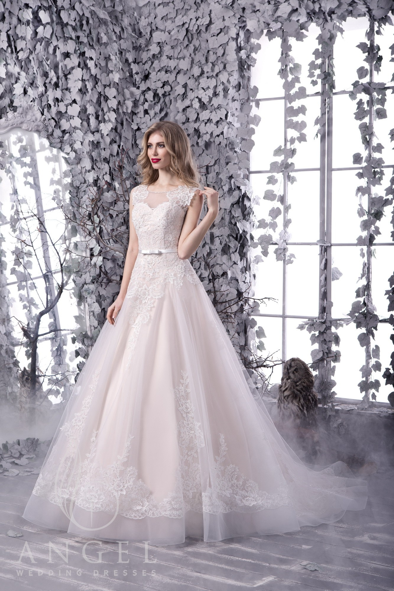 https://angel-novias.com/images/stories/virtuemart/product/ILIADA.jpg