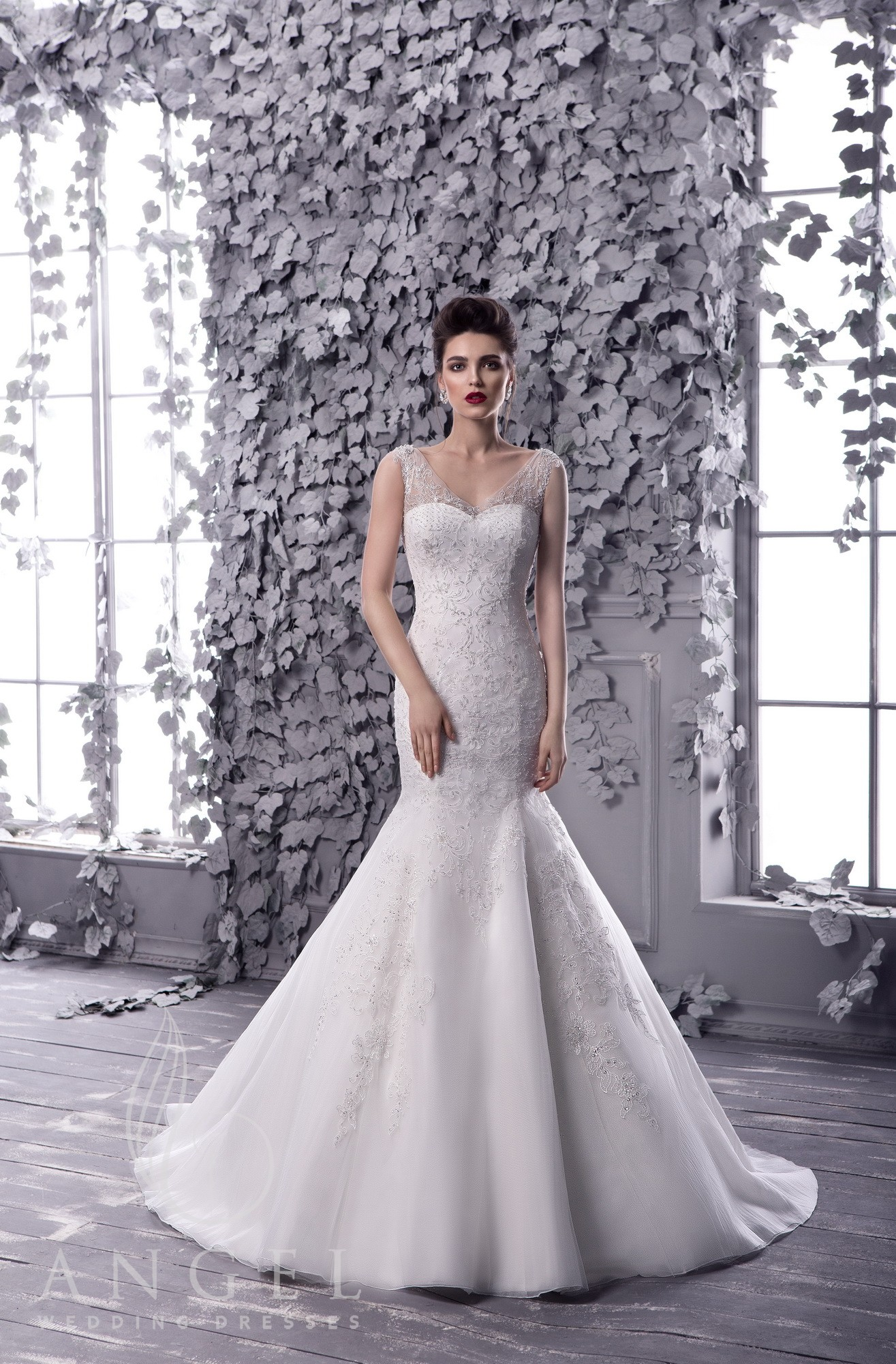 https://angel-novias.com/images/stories/virtuemart/product/SAPPHIRE.jpg