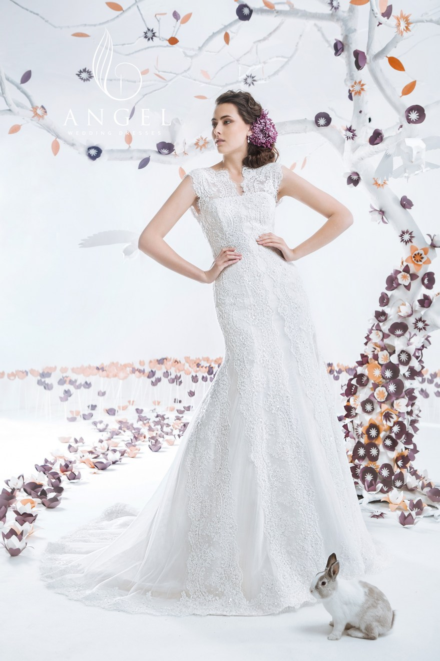 https://angel-novias.com/images/stories/virtuemart/product/Avrora 230$.jpg