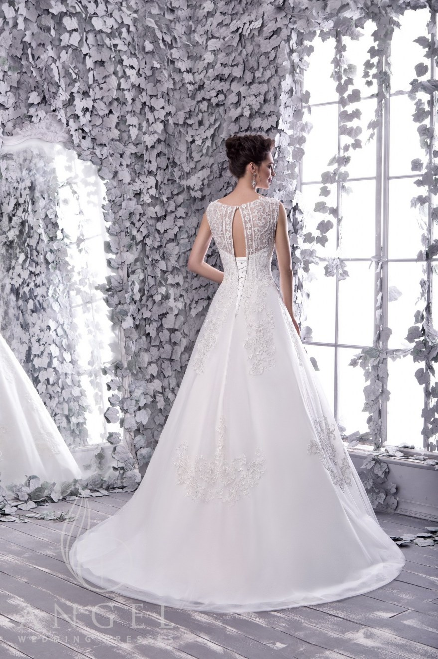 https://angel-novias.com/images/stories/virtuemart/product/FEIA 2.jpg