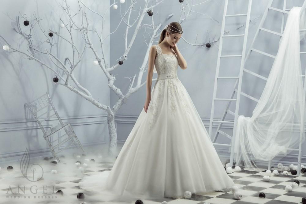 https://angel-novias.com/images/stories/virtuemart/product/Lola.jpg